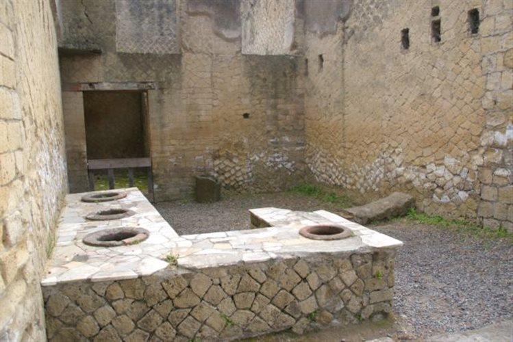Πικάντικο χοιρινό, αβγά και θαλασσινά έτρωγαν οι Ρωμαίοι