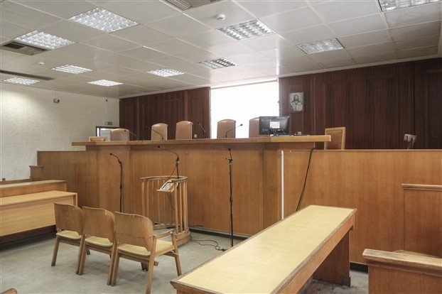 Δικαστές και εισαγγελείς καλούνται να λογοδοτούν για πράξεις ή παραλείψεις